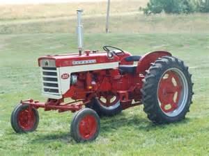 240 - Fiche technique Farmall 240