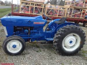 tracteur Ford 2000