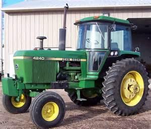 tracteur John Deere 4240