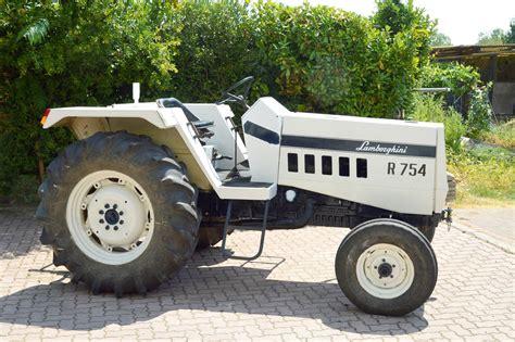 754 - Fiche technique Lamborghini 754
