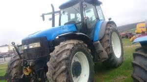tracteur New Holland 9884