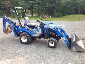 Boomer 1025 - Fiche technique New Holland BOOMER 1025